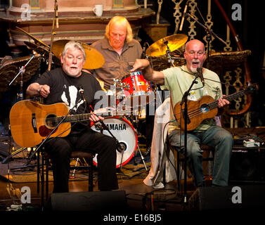 Picture By: Charlie Bryan Picture :Worcester UK : Fairport Convention, Simon Nicol,Dave Pegg,Gerry Conway,Chris - Stock Photo