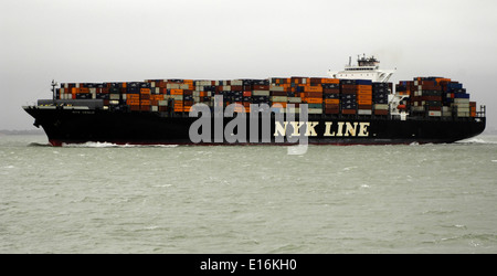 14th Sept, 2010 - SOLENT,ENGLAND. - CONTAINER SHIP NYK VENUS INWARD BOUND TO SOUTHAMPTON. Photo: Jonathan Eastland/Ajax - Stock Photo