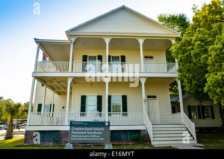 An historic clapboard building now houses the Cumberland Island National Seashore Administrative Offices, St. Mary's, - Stock Photo