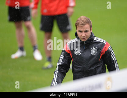 Passeier, Italy. 27th May, 2014. Mario Goetze arrives for a training session at a training ground at St. Leonhard - Stock Photo