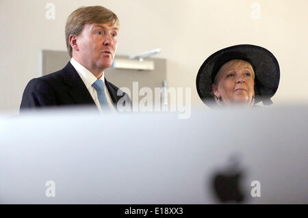 Essen, Germany. 27th May, 2014. King Willem-Alexander of the Netherlands and North Rhine-Westphalia's Premier Hannelore - Stock Photo