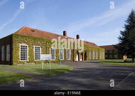 Officers Mess RAF Duxford, Duxford, United Kingdom. Architect: Unknown. Royal Air Force, 1933. Exterior view of - Stock Photo
