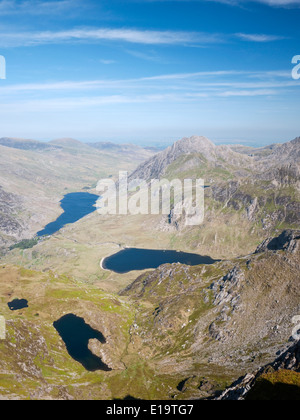 View of the Ogwen Valley from Y Garn, showing Tryfan, Llyn Ogwen, Llyn Idwal and Llyn Clyd in Snowdonia's Glyderau - Stock Photo