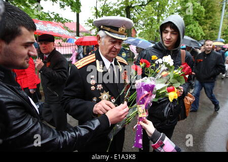 Kaliningrad, RUSSIA. 9th May, 2014. Kaliningrad, Russia 9th, May 2014 WW II Red Army veterans are seen during a - Stock Photo