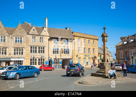 Market Square, Stow on the Wold, Cotswolds, Gloucesterstershire, England, UK, EU, Europe - Stock Photo