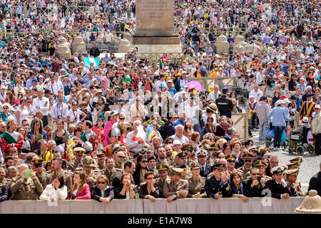 Vatican City. 28th May 2014. Pope Francis, General Audience of 28 May 2014 Credit:  Realy Easy Star/Alamy Live News - Stock Photo
