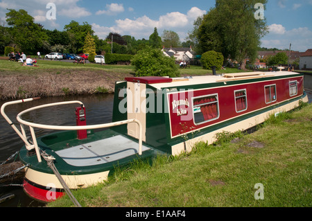 A narrowboat moored alongside the Staffordshire and Worcestershire Canal at Kinver in the Black Country, England - Stock Photo