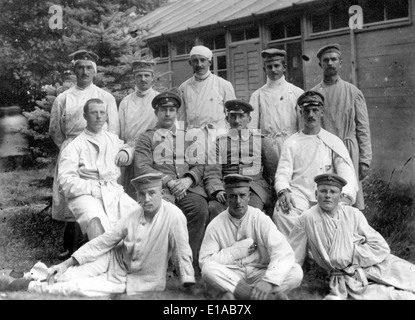 World War 1 injured wounded German soldiers at field hospital France 1916 - Stock Photo