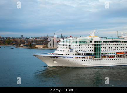 The MS Birka Paradise (renamed the MS Birka Stockholm in 2013), a cruise ship, pulls into the harbour in Stockholm, - Stock Photo