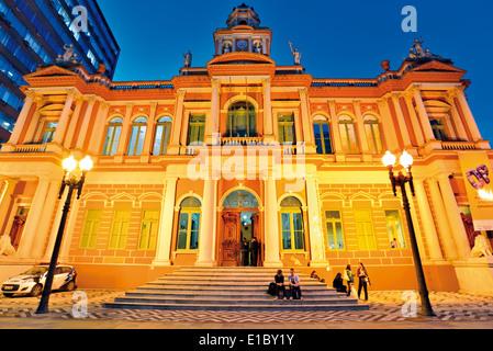 Brazil, Rio Grande do Sul: Nocturnal view of the historic town hall of Porto Alegre - Stock Photo