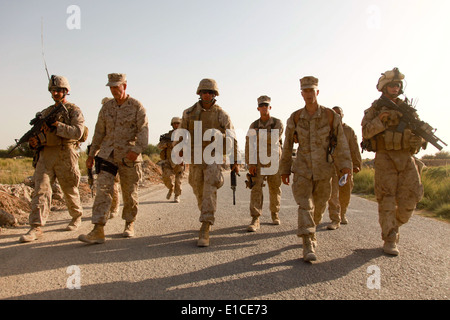 U.S. Marine Corps Lt. Gen. Joseph Dunford, second from left, the commander of I Marine Expeditionary Force, and - Stock Photo