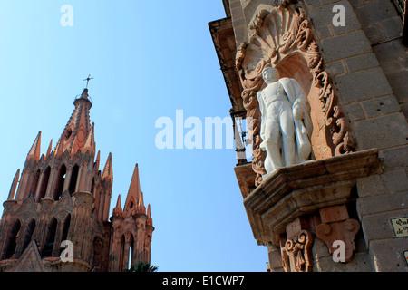 The Church of La Parroquia and the statue of Ignacio Allende in San Miguel de Allende, Guanajuato, Mexico - Stock Photo