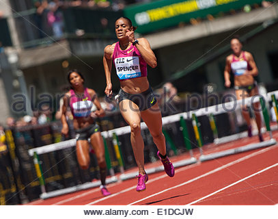 Eugene, OR, USA. 31st May, 2014. Kaliese Spencer of Jamaica wins the Prefontaine Classic's Women's 400m Hurdles - Stock Photo
