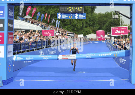 London, UK. 31st May, 2014. Gwen Jorgensen (USA) about to cross the line to win the  the ITU Elite Women's Triathlon - Stock Photo