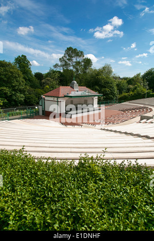 The newly refurbished Kelvingrove Park bandstand - Stock Photo