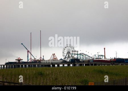 A view of Steel Pier in Atlantic City, New Jersey - Stock Photo