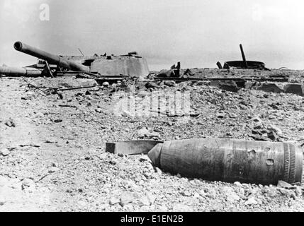 The picture from Nazi news reports shows a destroyed armored cupola with gun barrels at the coast battery Maxim - Stock Photo