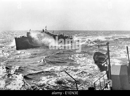 The picture from Nazi news reporting shows a German minesweeper in the Black Sea in December 1942. Photo: Berliner - Stock Photo