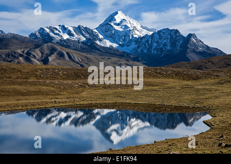 Huayna Potosi mountain (6088mts). Cordillera Real. Bolivia - Stock Photo