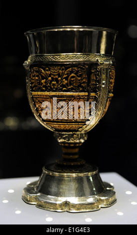 Carolingian art. The misnamed Lebuinus Chalice. Aachen, Germany, 790-810. Bowl madein ivory, mounted on a silver - Stock Photo