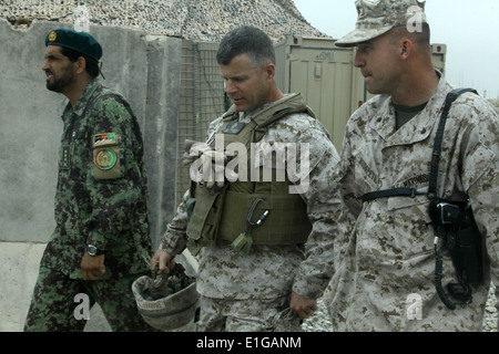 From left, Afghan National Army Col. Nawrooz, left, the commander of 3rd Kandak, 215th Corps; Brig. Gen. Lewis A. - Stock Photo