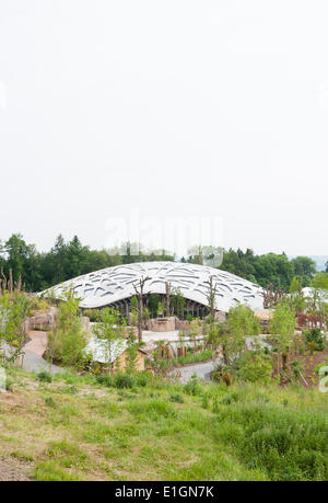 Zurich, Switzerland. 4th June 2014. External view of Zurich zoo's new 'Kaeng Krachan' elephant park. After 3 years - Stock Photo
