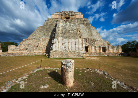 Mexico, Yucatan state, Uxmal, archaeological Mayan site, world heritage of the UNESCO, Magicians Pyramid, Governor's - Stock Photo