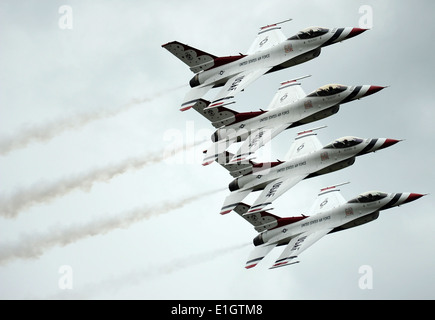 The U.S. Air Force Air Demonstration Squadron, the Thunderbirds, perform an echelon pass in review maneuver during - Stock Photo