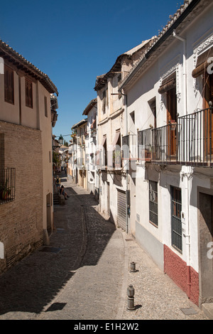 Granada spain streets in the albayzin district in the for Moorish homes