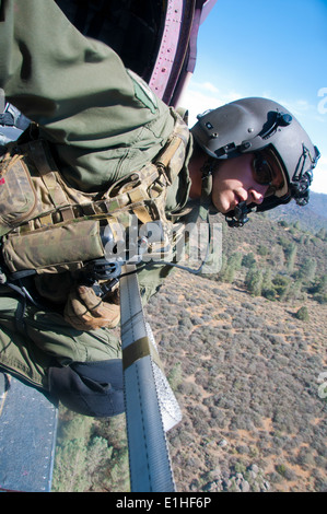 how to become air force aerial gunner