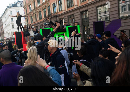 "Copenhagen, Denmark. 5th June 2014. A giant party rolls through the streets of Copenhagen: ""Copenhagen Distortion"" - Stock Photo"
