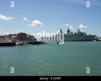 HMS Bulwark an Albion Class amphibious transport dock of Royal Navy, entering Portsmouth harbour. - Stock Photo