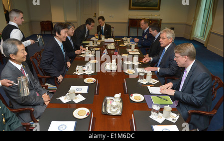 Secretary of Defense Chuck Hagel, second from right, meets with South Korean Minister of Foreign Affairs Yun Byung-se, seated s
