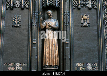 St Patrick's Cathedral : Front Gate sculpture : St Isaac Jogues,  New York's first catholic priest - Stock Photo