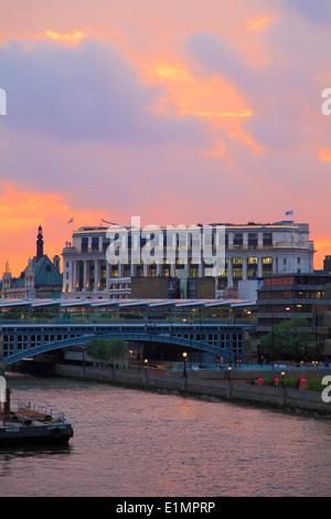 UK, England, London, Unilever House, Blackfriars Bridge, Thames River, sunset, - Stock Photo