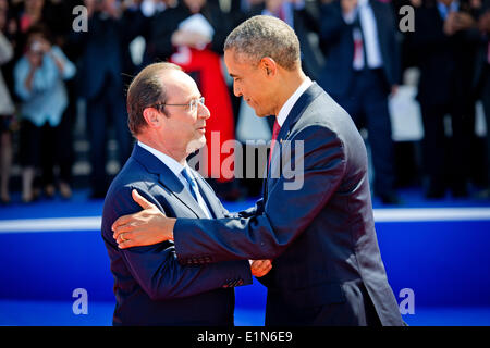 Normandy, France. 06th June, 2014. French President Francois Hollande (L) and US President Barack Obama during the - Stock Photo