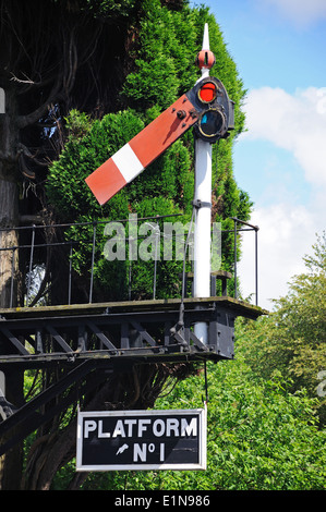 Semaphore signal of the bracket design showing the lower quadrant home all clear, Hampton Loade. - Stock Photo