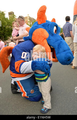 Garden City, New York, U.S. - June 6, 2014 - OLIVER PAPP, 18-months-old, of Garden City, hugs SPARKY THE DRAGON, - Stock Photo
