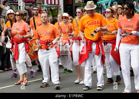 Glasgow, Scotland, UK, Sunday, 8th June, 2014. The Glasgow West End Festival Mardi Gras Parade Credit:  Kenny Williamson - Stock Photo