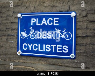 Blue and white enameled sign 'Place des Cyclistes' on a café in North Yorkshire England. Tour de France Yorkshire - Stock Photo