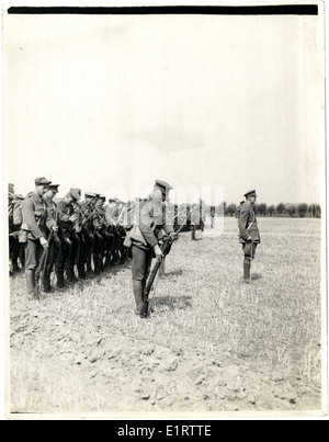 British infantry drilling in Flanders [Bout de Ville]. . - Stock Photo