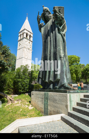 Statue of Gregory of Nin by Ivan Meštrović in Split Dalmatia Croatia. Rubbing the toe of the statue is said to bring - Stock Photo