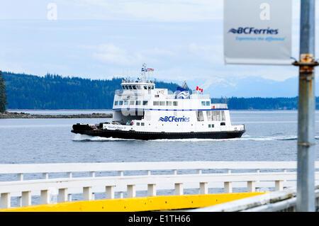 BC Ferries Quadra Queen II arriving at Port McNeil on Vancouver Island BC.  The Quadra Queen II travels between - Stock Photo