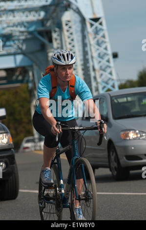 Cycle commuting, Galloping Goose Trail, Victoria, British Columbia, Canada - Stock Photo