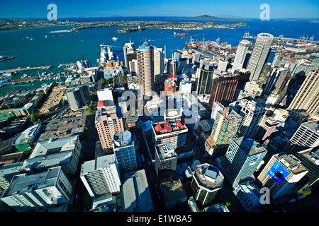 Auckland City and Waitemata Harbour seen from the Sky Tower in downtown Auckland, North Island, New Zealand. - Stock Photo