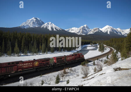 Canadian Pacific freight train on 'Mornant's curve' in the Canadian Rocky Mountains in Banff National Park, Alberta, - Stock Photo