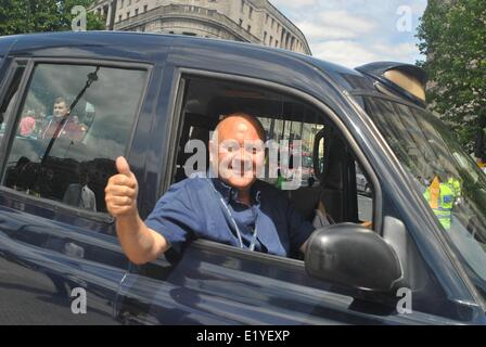 London, UK. 10th June, 2014. Thousands of cab drivers shut down Trafalgar Square which caused chaos to the city - Stock Photo