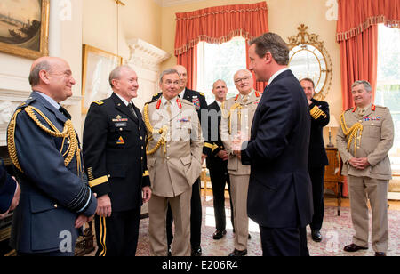 US Chairman of the Joint Chiefs Gen. Martin Dempsey, center left, and UK Chief of the Defence Staff Sir Nickolas - Stock Photo