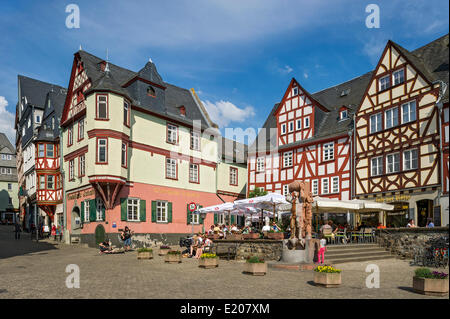 Half-timbered houses from the 16th and 17th centuries on the Plätzchen or Plötze square, historic centre, Limburg - Stock Photo