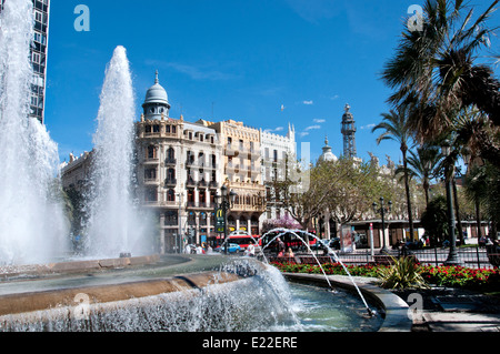 valencia spain water fountain city center plaza del. Black Bedroom Furniture Sets. Home Design Ideas
